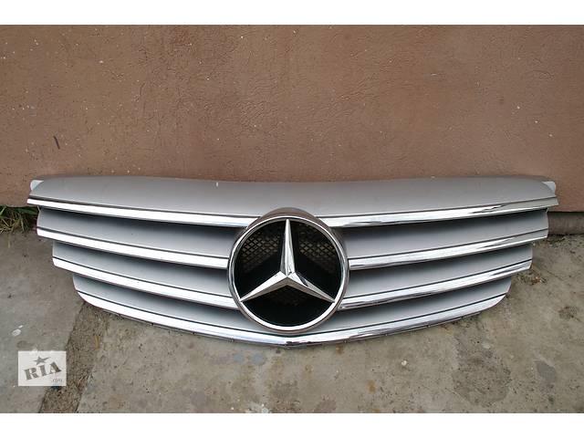 продам  Решітка радіатора для легкового авто Mercedes A-Class бу в Львове