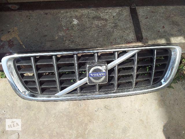 купить бу  Решітка радіатора для легкового авто Volvo V70 в Львове