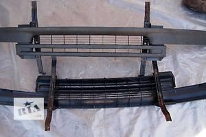 б/у Молдинги решетки радиатора Ford Transit