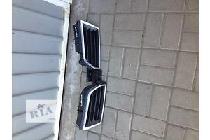 б/у Решётки радиатора Mitsubishi Carisma