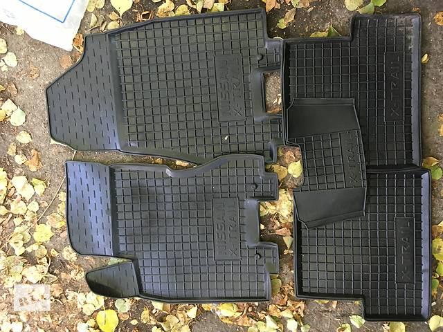 бу Резиновые коврики Nissan X-Trail T31 в Виннице