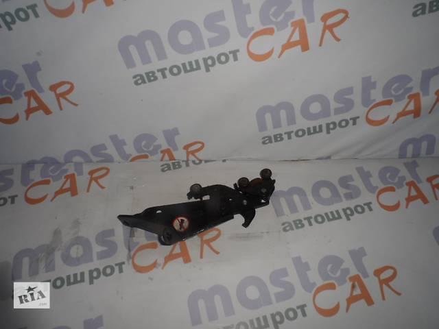 продам  Ролик нижний боковой двери Fiat Doblo Фиат Добло 2005-2009.  бу в Ровно