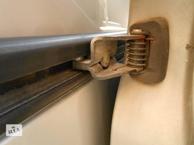 бу Ролик сдвижной боковой двери Opel Vivaro Опель Виваро Renault Trafic Рено Трафик Nissan Primastar в Ровно