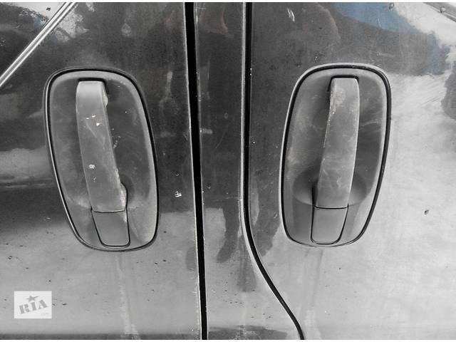 купить бу Ручка боковой сдвижной двери Opel Vivaro Опель Виваро Renault Trafic Рено Трафик Nissan Primastar в Ровно