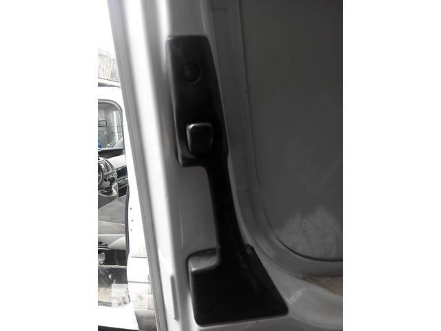 продам Ручка двери боковой сдвижной внутренняя Мерседес Спринтер 906 (215, 313, 315, 415, 218, 318, 418, 518) 2006-12р бу в Ровно