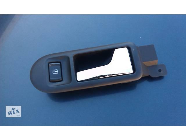 купить бу  Ручка двери для легкового авто Volkswagen Passat B5 в Ровно