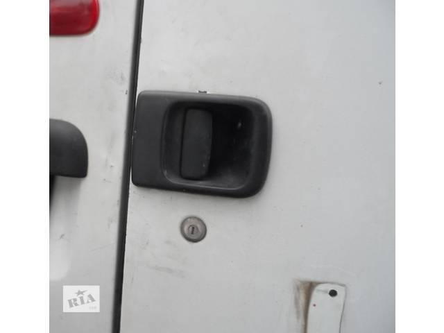 купить бу Ручка двери распашонки Рено Мастер Renault Master 2,5 Opel Movano Опель Мовано Nissan Interstar Ниссан Интерстар в Ровно