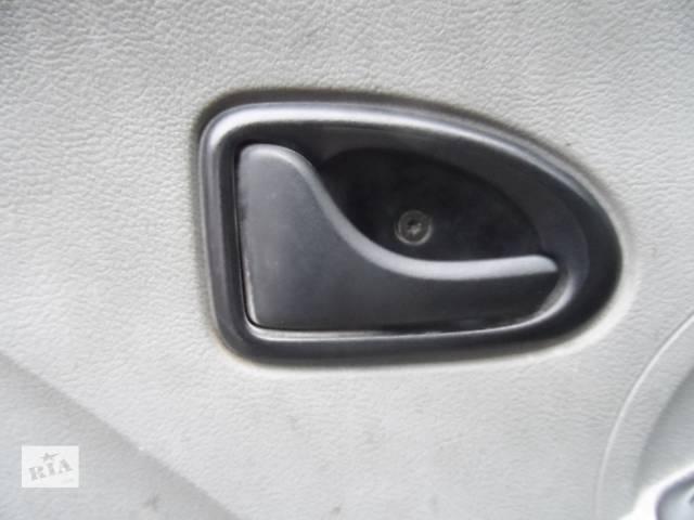 купить бу Ручка двери внутренняя Рено Мастер 2,5 Renault Master 2,5 Opel Movano Опель Мовано Nissan Interstar Ниссан Интерстар в Ровно