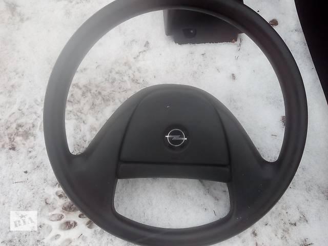 купить бу руль для седана Opel Astra F 1995 в Львове