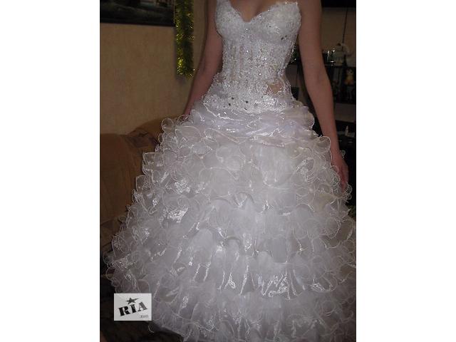 Продам свадебное платье 42-44р. Объём груди до 100 и талии до 80.- объявление о продаже  в Новой Каховке