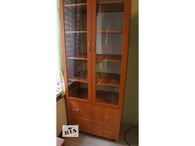 продам шкаф(состояние нового) бу в Одессе