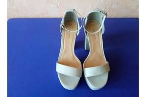 б/у Женская обувь New Look