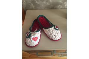 Жіноче домашнє взуття