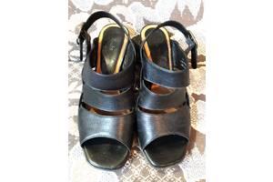 б/у Женская обувь Clarks