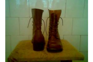 б/в Жіночі черевики і напівчеревики