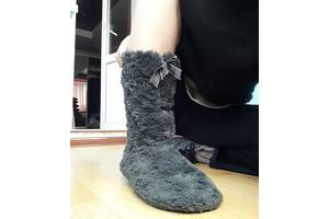 б/в Жіноче домашнє взуття