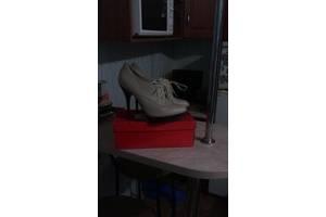 б/у Женские ботинки и полуботинки Ronzo