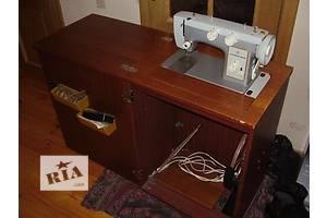 б/у Ножна швейна машинка