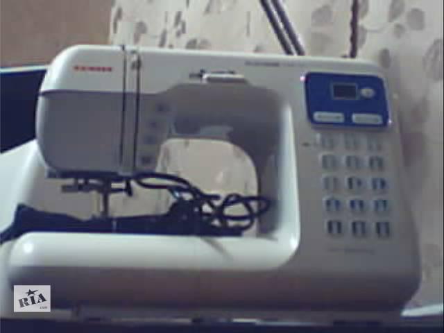 купить бу Швейная машина Family Platinum Line 4700 в Луганске