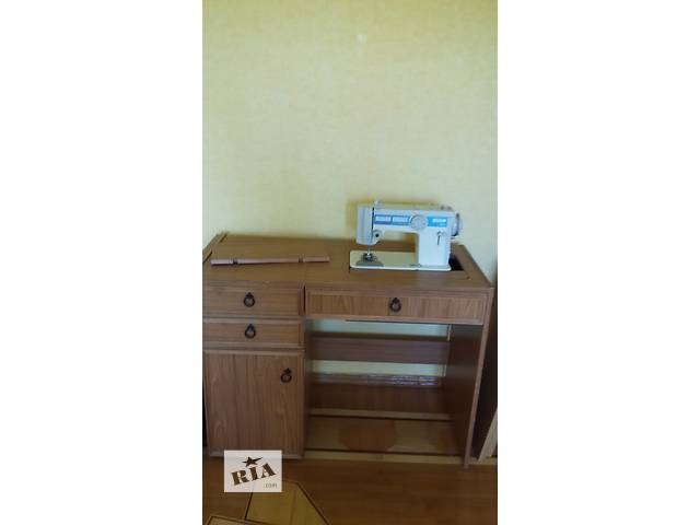 продам швейная машина Веритас новая со столом  бу в Кременчуге