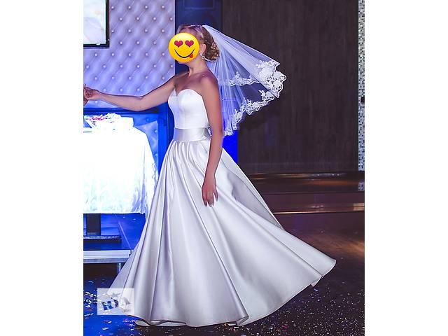 бу Шикарное свадебное платье в Киеве