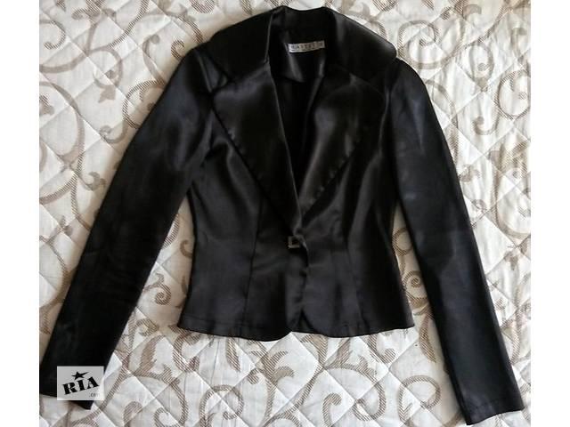 Шикарный атласный пиджак- объявление о продаже  в Черкассах