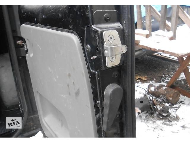 бу Скоба передний сдвижной задней двери Renault Trafic Рено Трафик Opel Vivaro Опель Виваро Nissan Primastar в Ровно