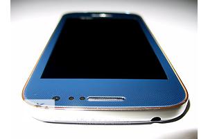 Смартфон Samsung Galaxy S4 mini I9500