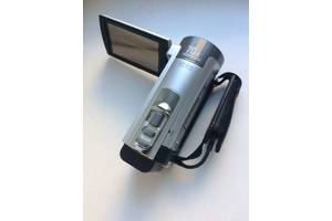 Новые Миниатюрные видеокамеры Sony DCR-SX65E