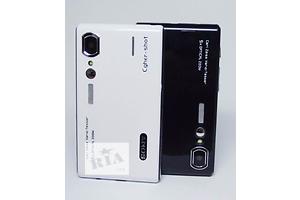 Sony Ericsson V1 экран 3.5