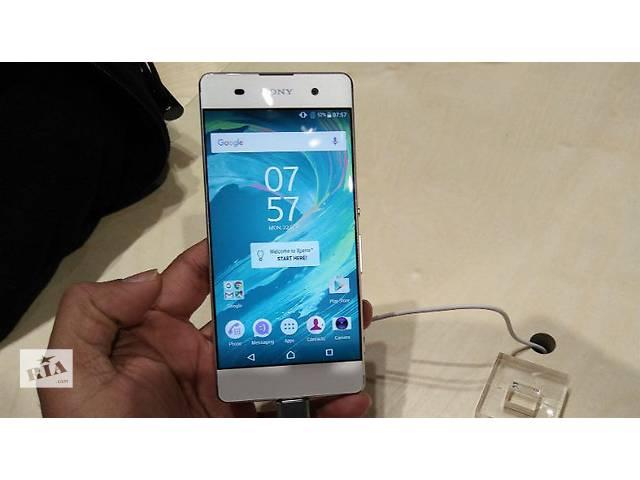 бу Sony Xperia XA Dual F3112 черный, белый, лайм в Киеве