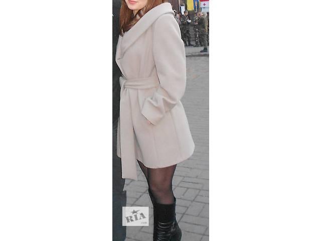 купить бу Срочно продам пальто цену снижено в Запорожье