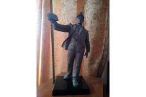 Антикварные бронзовые статуэтки