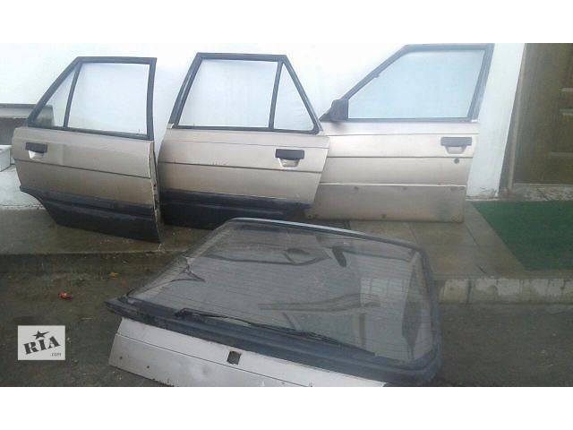 продам Стекло двери для хэтчбека Renault 11 бу в Шумске