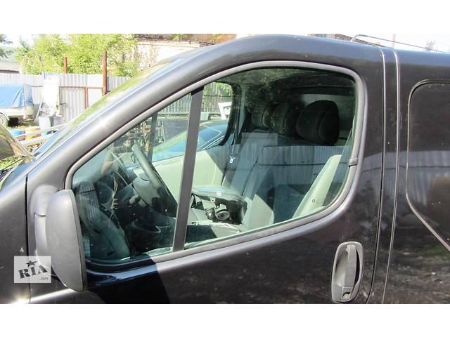 купить бу Стекло двери передней, маленькое треугольник, скло дверей Renault Trafic Рено Трафик Opel Vivaro Опе в Ровно