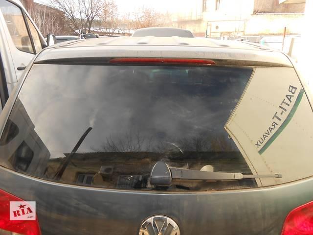 продам Стекло крышки багажника Volkswagen Touareg Фольксваген Туарег 2003-2009 бу в Ровно