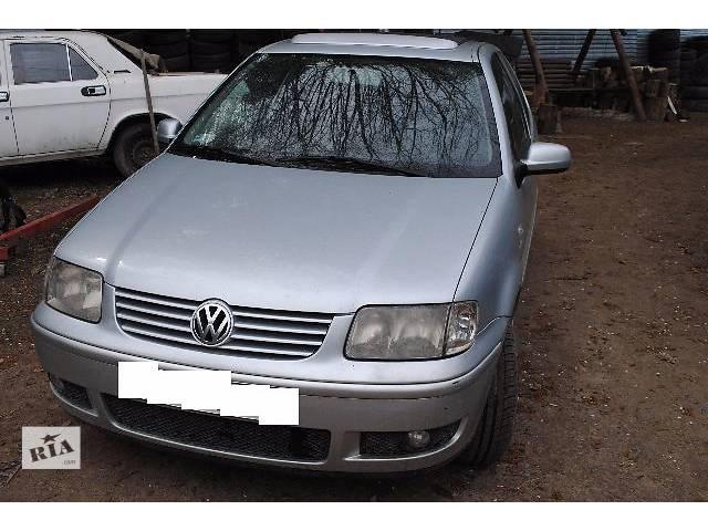 купить бу Стекло лобовое/ветровое для хэтчбека Volkswagen Polo 2000 в Львове