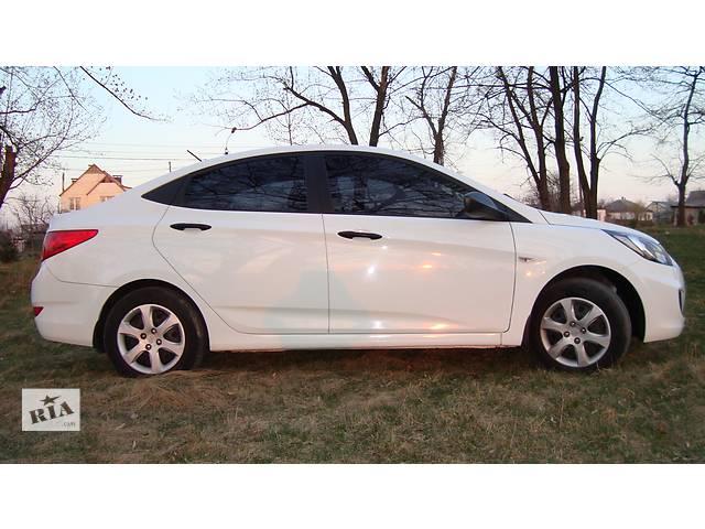 продам  Стекло лобовое/ветровое для легкового авто Hyundai Accent бу в Умани