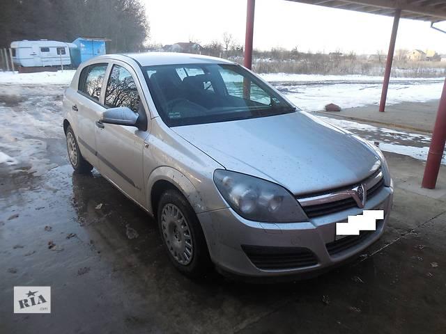 купить бу Стекло лобовое/ветровое для Opel Astra H Hatchback 2006 в Львове