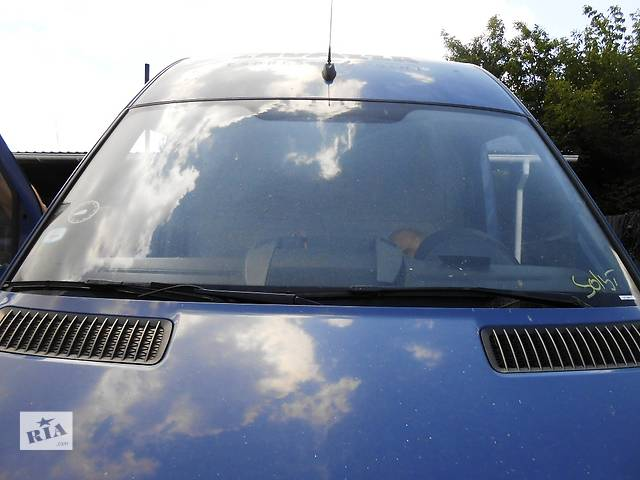 купить бу Стекло лобовое/ветровое Mercedes Sprinter 906 (215, 313, 315, 415, 218, 318, 418, 518) 2.2 3.0 CDI в Ровно