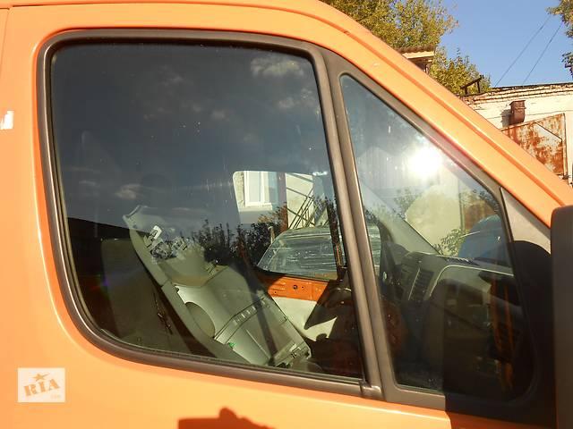 купить бу Стекло на двери передние, скло дверей Mercedes Sprinter 906, 903 (215, 313, 315, 415, 218, 318, 418, 518) 1996-2012 в Ровно