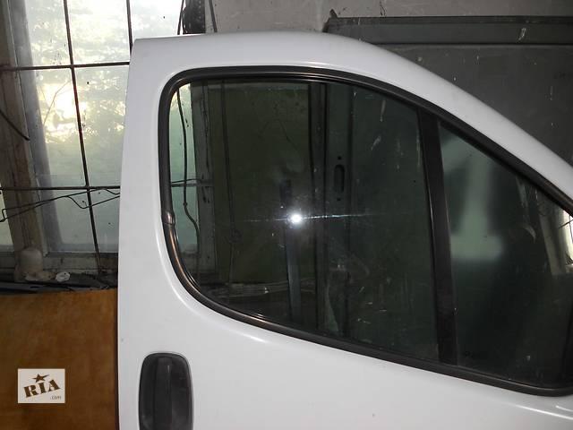 купить бу Стекло передней двери на Renault Trafic, Opel Vivaro, Nissan Primastar в Ровно