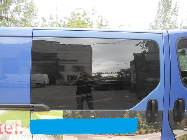 продам Стекло салона переднее на Renault Trafic, Opel Vivaro, Nissan Primastar бу в Ровно
