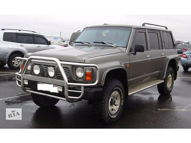 купить бу Стекло в кузов для Nissan Patrol 1996 в Львове