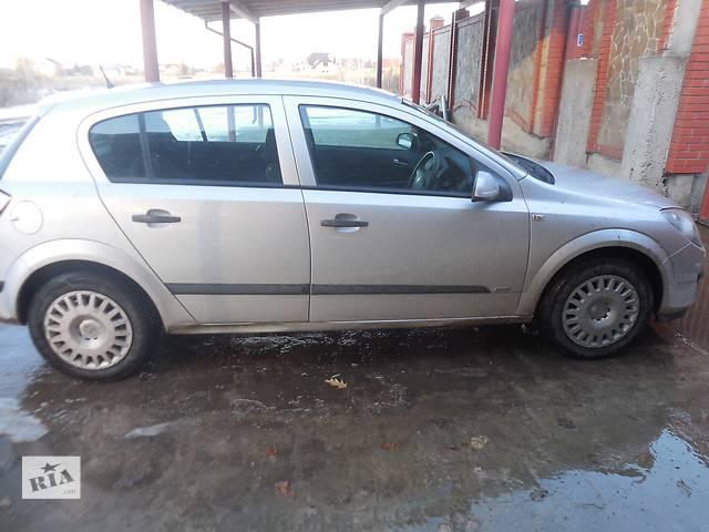 купить бу Стекло в кузов для Opel Astra H Hatchback 2006 в Львове