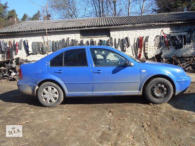 купить бу Стекло двери для седана Volkswagen Bora 2001 в Львове