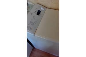 б/у Вертикальные стиральные машинки Indesit