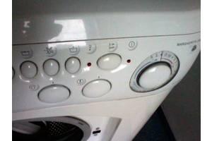 б/у Фронтальные стиральные машинки Hotpoint Ariston