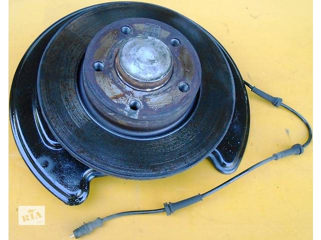 купить бу Ступица задняя передняя, ступиця задня передня Renault Trafic Рено Трафик Opel Vivaro Опель Виваро Nissan Primastar в Ровно