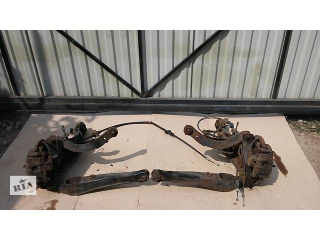продам  Ступица задняя+рычаг продольный для легкового авто Mitsubishi Lancer бу в Тернополе
